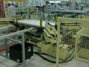 ZKAD-1全自动太阳能电池板组框机